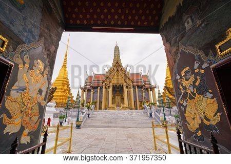 Wat Phra Kaew, Wat Phra Si Rattana Satsadaram Or Temple Of The Emerald Buddha Temple Entrance That H