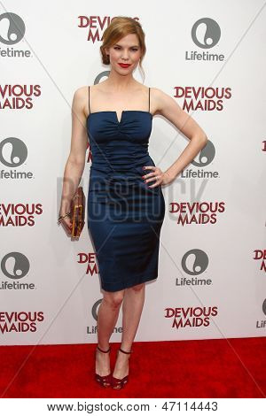 LOS ANGELES - JUN 17:  Mariana Klaveno arrives at the