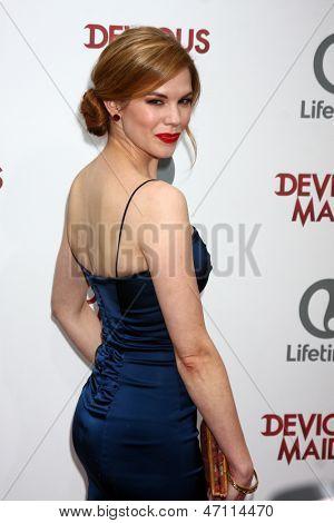 LOS ANGELES - JUN 17:  Mariana Klaveno arrives at the