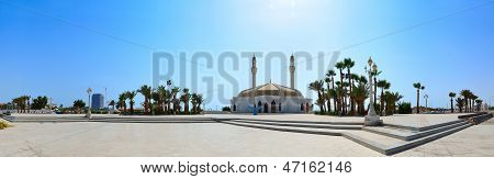 Anani Mosque in jeddah in panorama