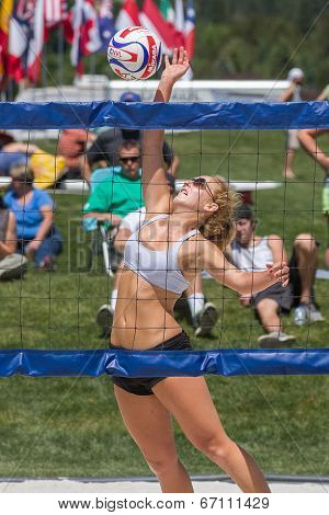 woman up spike in volleyball