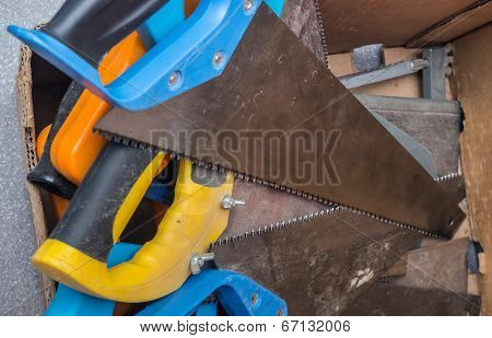 different saws in the box