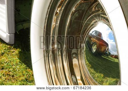 Wheel Hub Reflection