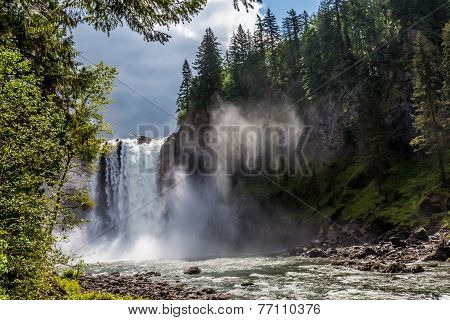 The Beautiful Snoqualmie Waterfall
