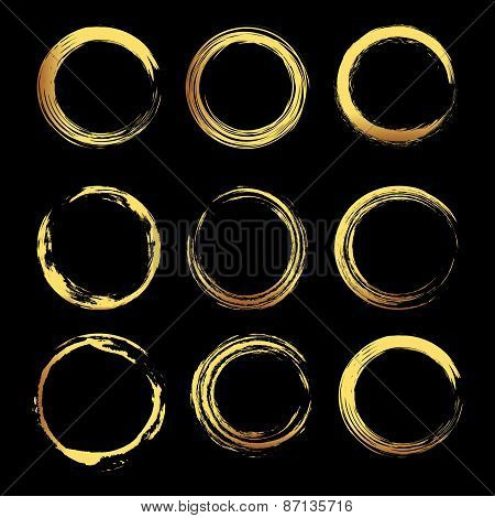 Set of 8 gold grunge elements.