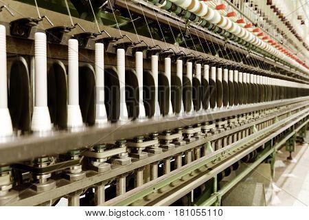 Weaving workshop weaving machine is producing cloth.