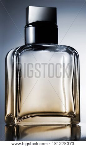 perfume bottle with self reflaction still shooting