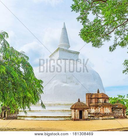 The Kiri Vihara