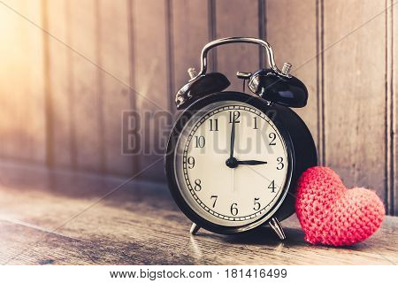 Love Clock Vintage Tone Timed 3 O'clock, Time Of Sweet Loving Past Memories Story On The Old Wood Ba