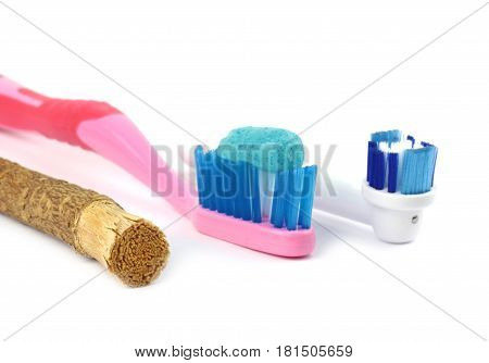 Toothbrush and old islamic traditional natural toothbrush Miswak (Salvadora persica) was used by the Babylonians some 7000 years ago and Greek, Roman empires and also by ancient Egyptians and Muslims