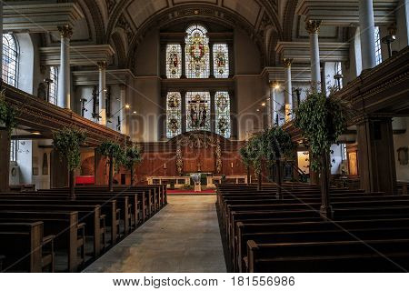 LONDON, GREAT BRITAIN - SEPTEMBER 20, 2014: This is interior of the church of St. James Piccadilly that was designed by Sir Christopher Wren in the 17th century.
