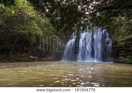 Catarata Falls