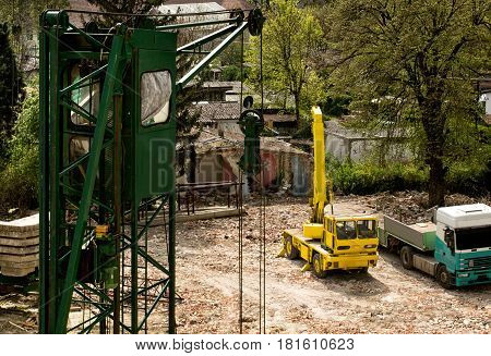 large heavy machine on construction site-construction engineering