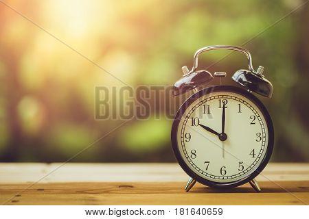 10 O'clock Retro Clock Vintage Color Tone In The Garden