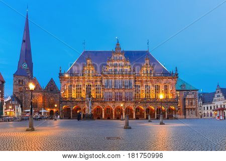 Ancient Market Square in the centre of the Hanseatic City of Bremen with famous City Hall and Church of Our Lady, Bremen, Germany