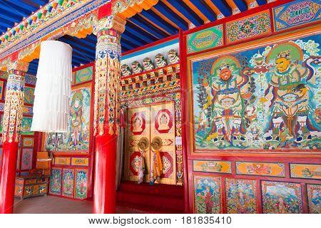 LANGMUSI CHINA - SEP 25 2014: Sertri Gompa (Dacanglangmu Saichisi). a famous Lamasery in Langmusi Gansu China.