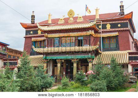 Sichuan, China - Jul 15 2014: Degongbu Temple(temple Of The Hans). A Famous Lamasery In Ganzi, Sichu