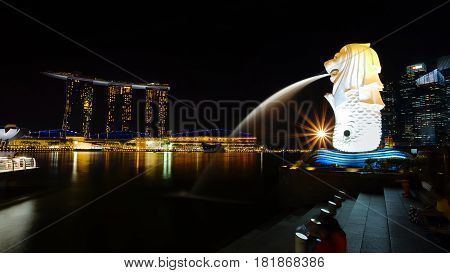 MARINA BAY SINGAPORE - JAN 20 2017: Night shot beautiful scenery at Marina Bay Merlion and Marina Bay Sands.