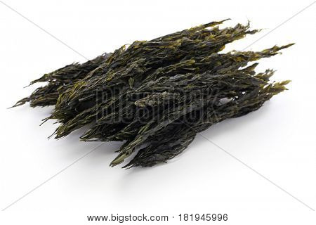 dried brown seaweed, sargassum horneri, akamoku, japanese food