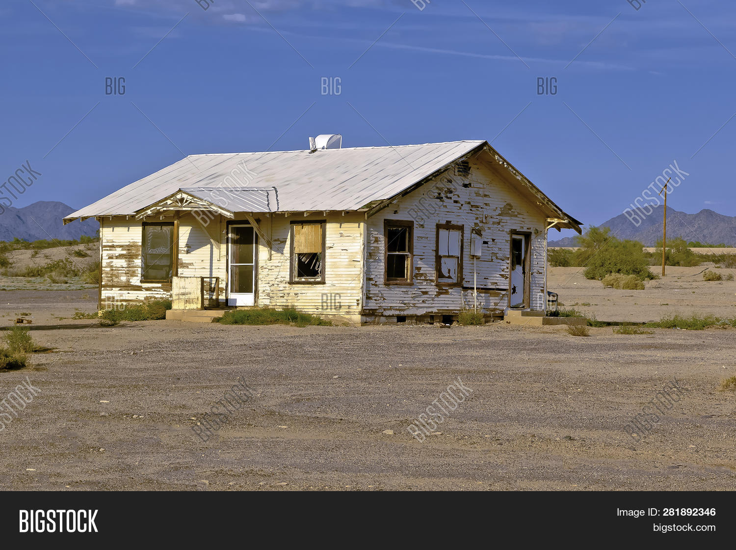 Abandoned House Remote Image & Photo (Free Trial) | Bigstock