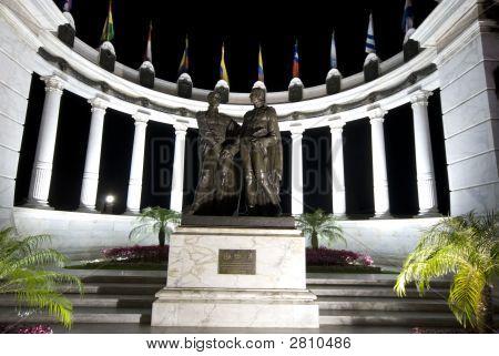 The Rotonda At Night Malecon 2000 Guayaquil