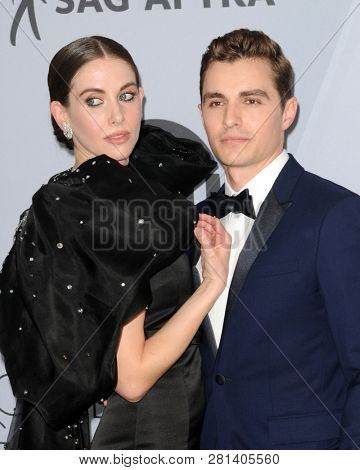 LOS ANGELES - JAN 27:  Alison Brie, Dave Franco at the 25th Annual Screen Actors Guild Awards at the Shrine Auditorium on January 27, 2019 in Los Angeles, CA
