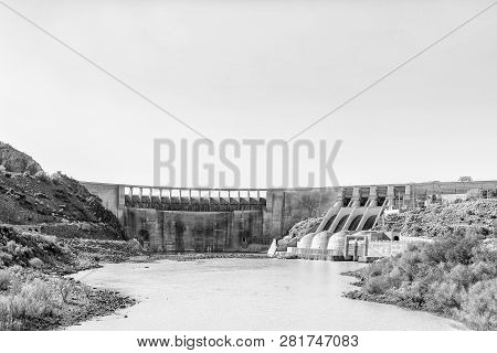 Monochrome View Of The Wall Of The Vanderkloof Dam In The Orange River (gariep River)