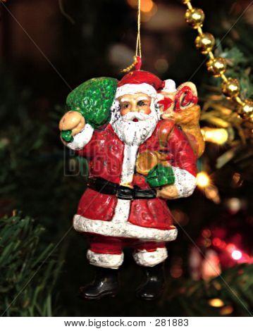 Old Santa Ornament Levels