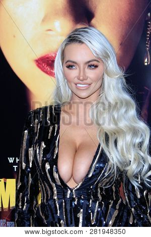 LOS ANGELES - JAN 30:  Lindsey Pelas at the