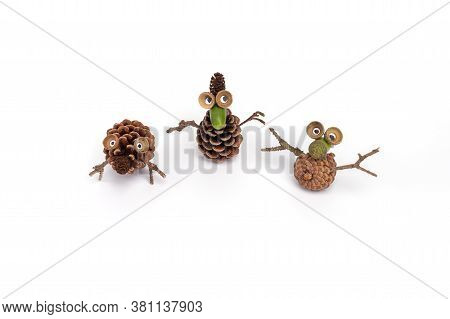 Natural Materials For Childrens Creativity. Figurines Of Acorns And Cones, Easy Pine Cone Craft