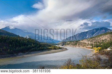 Picturesque Fraser River Valley In Autumn. Benches On The Viewpoint Above The River Valley. The Moun