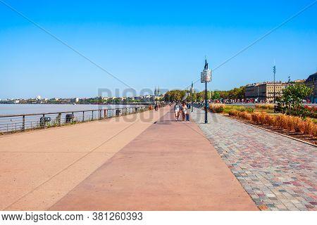 Bordeaux, France - September 17, 2018: Embankment Of Garonne River In The Centre Of Bordeaux City In