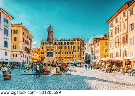 Rome, Italy - May 09, 2017 : Square Campo De Fiori, Rome. Campo Dei Fiori Is A Rectangular Square In