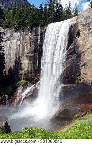 Upper Vernal Fall Waterfall In Yosemite National Park
