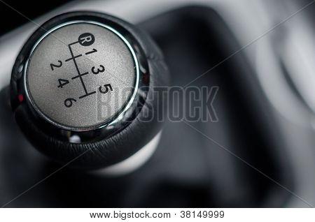 Closeup-Foto von einigen Fahrzeugausstattungen