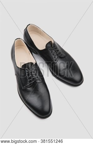 Male Classic Shoes. Derby. Men's Fashion Leather Shoes Isolated On Grey Background
