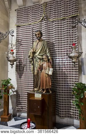 Nazareth, Israel, January 26, 2020: The Figure Of St. Joseph With Jesus In The Church Of St. Joseph