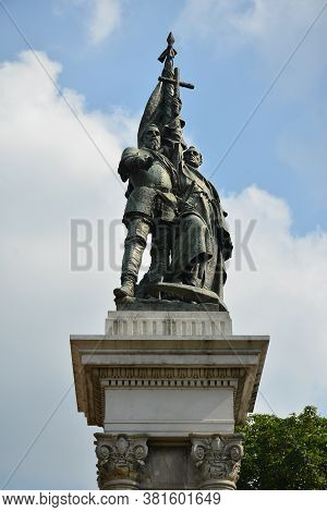 Manila, Ph - Apr 7 - Miguel Lopez De Legazpi And Andres De Urdaneta Statue Monument On April 7, 2019