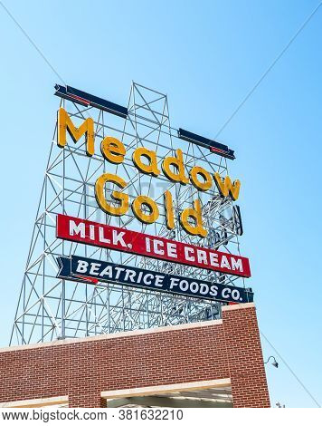Tulsa Usa - September 2015; Restored Meadow Gold Neon On Corner 11th Street And Quaker Ave, Building