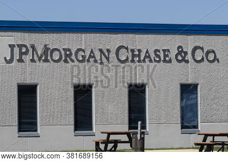 Indianapolis - Circa August 2020: Jpmorgan Chase Operations Center. Jpmorgan Chase And Co. Is The La