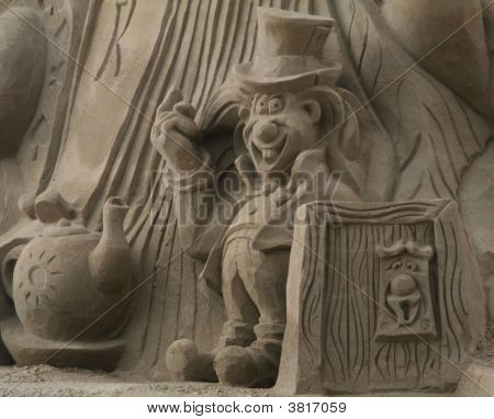 Sandsculpture Alice In Wonderland