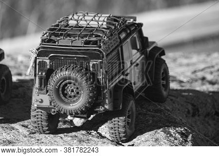 Rc 4wd Cars Driven Off-road The City (avila, Spain; 08/15/2020)