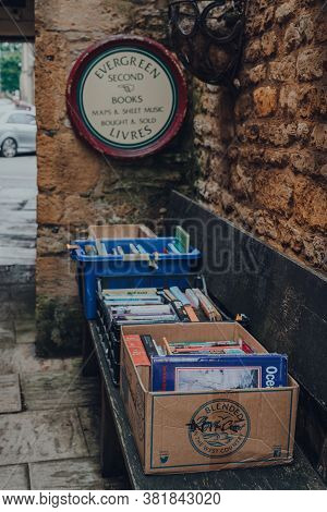Stow-on-the-wold, Uk - July 10, 2020: Second Hand Books On Sale Outside Evergreen Bookshop In Stow-o