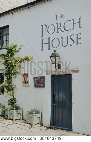 Stow-on-the-wold, Uk - July 10, 2020: Side Door Entrance To The Porch House Pub And Inn In Stow-on-t