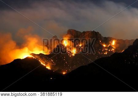 Blazing Mountain Forest Fire Burning At Night - Lightning Sparked Wildfire - Bighorn Fire On Pusch R