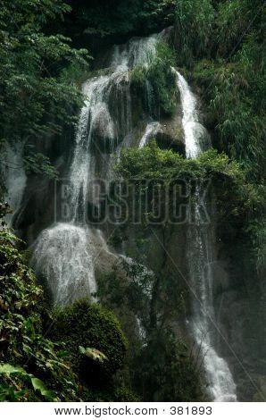 Side Falls, Pulhapanzak Falls