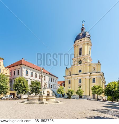 Neuburg An Der Donau,germany - August 08,2020 - View At The Karl Place With Saint Peter Church In Ne