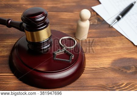Lawyer To Resolve Litigation In Real Estate
