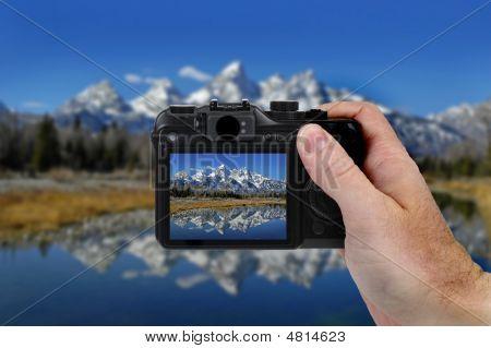 Camera Picture Teton Mountains
