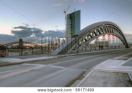Frankfurt From Honsellbruecke